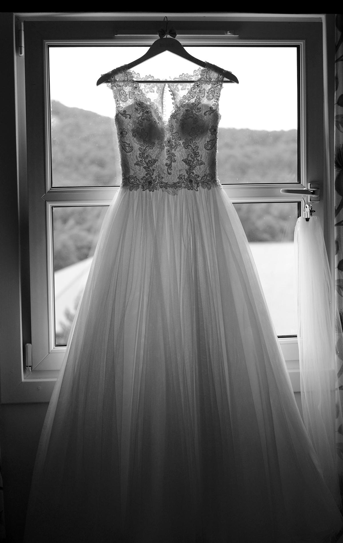 wedding dress aviemore bride
