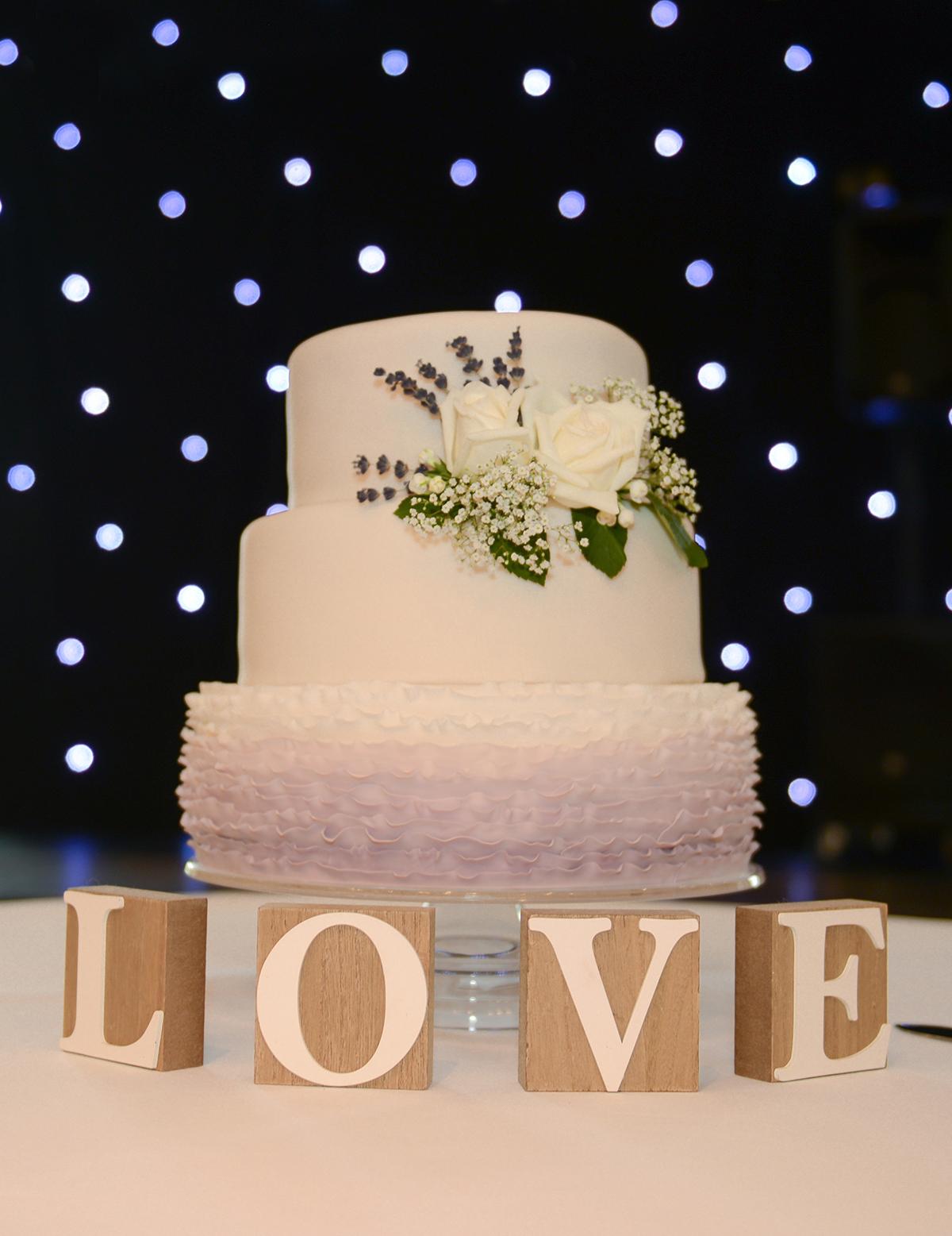 aviemore wedding cake