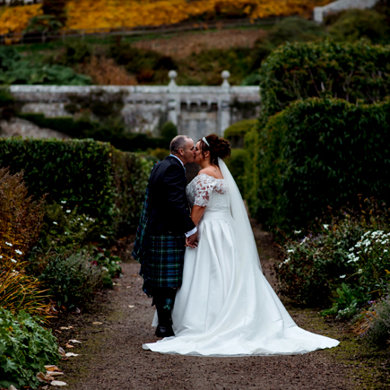 bride and groom at dunrobin castle