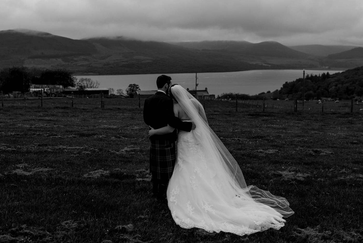 bride and groom dornoch firth